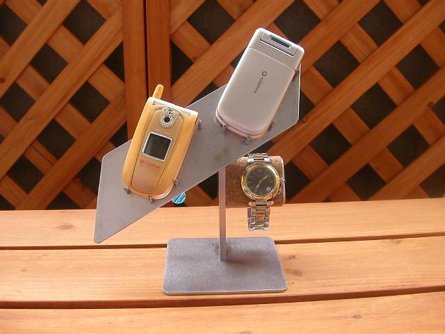 誕生日にプレゼントに 2本スマホ&腕時計スタンド