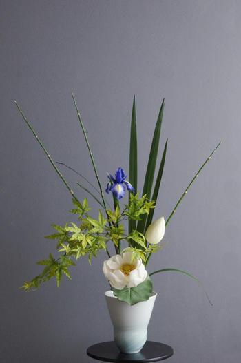 蓮× 陶芸作家 樋口邦春作 青白磁潮流文花入(造花)
