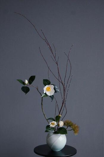 白椿 × 陶芸作家 樋口邦春作 青白磁流文壷(造花)
