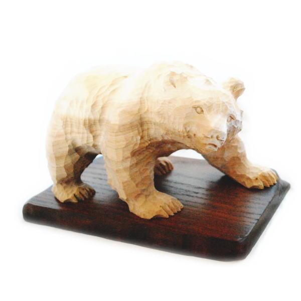一品作 木彫りの熊の置物 置台付き 【136】 しなの木 北海道 きぼり 民藝 民芸 伝統工芸 くま お土産 定番 インテリア オブジェ 木工