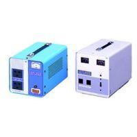 【個人宅配送不可】【個数:1個】スワロー電機 SWALLOW AVR-1500E 直送 代引不可・他メーカー同梱不可海外用交流定電圧電源装置 海外 変圧器 AVR1500E