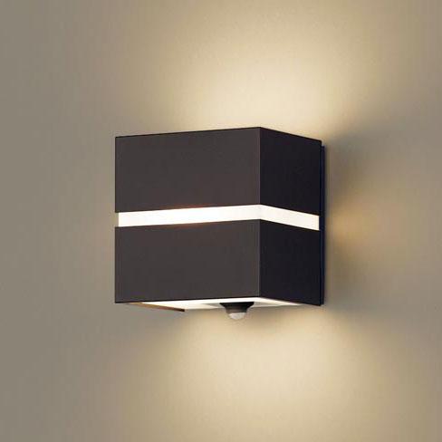 【送料無料】パナソニック LEDポーチライト センサ付 白熱電球40W相当 電球色 ダークブラウン LSEWC4018LE1