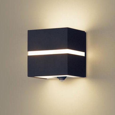 【送料無料】パナソニック LEDポーチライト センサ付 白熱電球40W相当 電球色 オフブラック LSEWC4020LE1