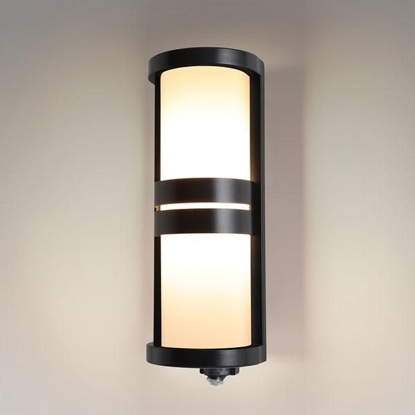 【送料無料】NEC LEDポーチライト 60W形相当 電球色 センサー機能付 SXWE-LE261735-KL