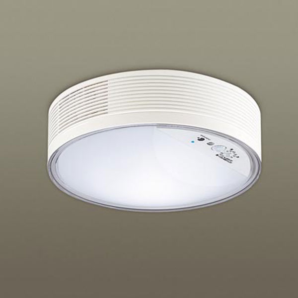 【送料無料】パナソニック LED小型シーリングライト ナノイー搭載 センサ付 白熱球60W相当 昼白色 直付タイプ LGBC55000LE1