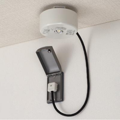 【送料無料】東芝 LED非常灯 予備電源内蔵コンセント型 工事不要タイプ LEDEM13821MPN-K