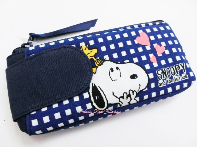 45bde908dca9 Put ctswa   Snoopy with Pocket Carle C stationery series 502 SQC put the  pencil case   back to school   enrollment of ready   life   makeup tools