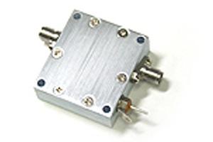 <フラットアンプ>無線用COSMOWAVE(コスモェーブ)LNA270WS広帯域ローノイズ ゲインフラットアンプ500KHz~2700MHz