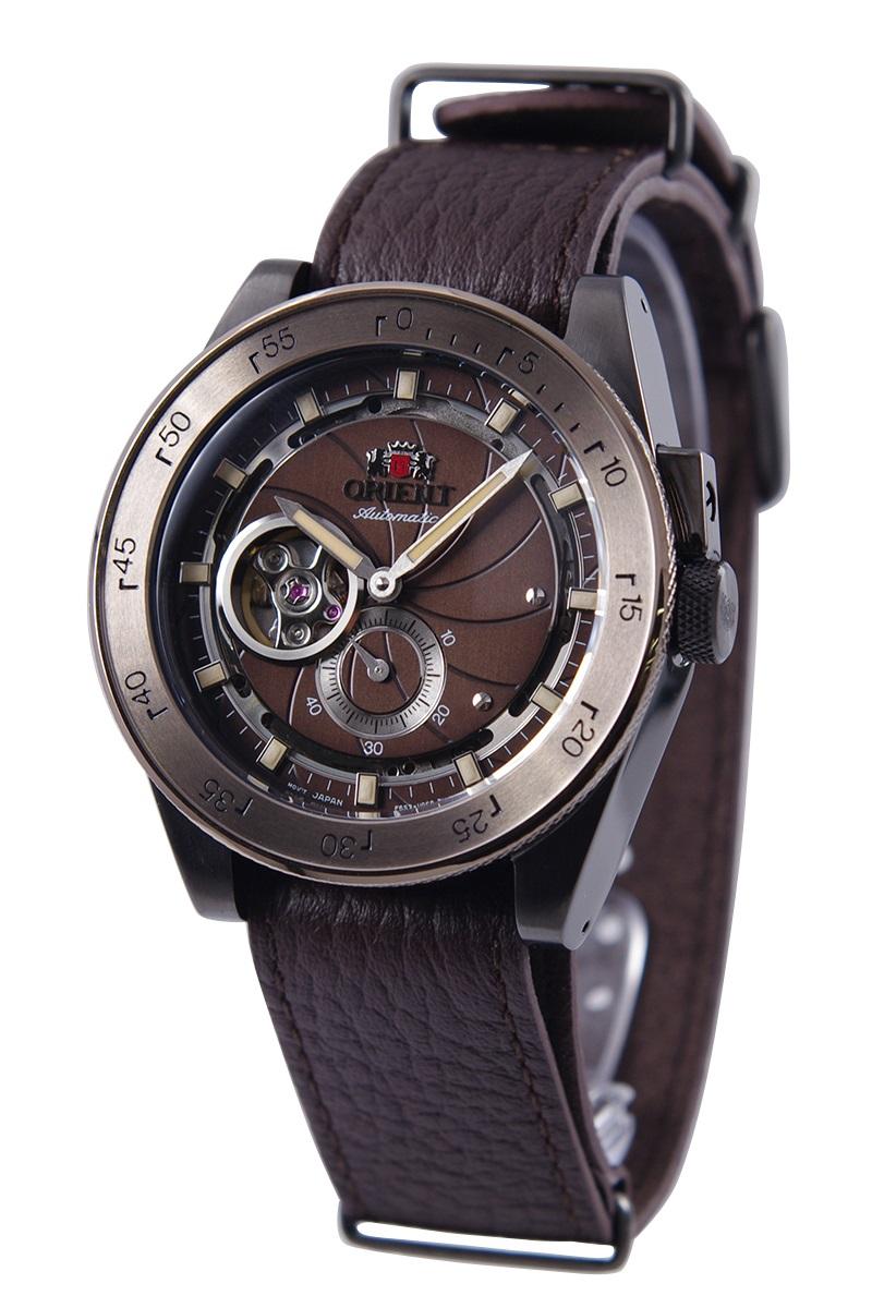 AUTOMATIC 推奨 復刻モデル 男性用 オリエント ORIENT 保証 腕時計 REVIVAL レトロフューチャー CAMERA 自動巻き 逆輸入品 カメラ 海外モデル 手巻付き ブラウン メンズ RA-AR0203Y10B