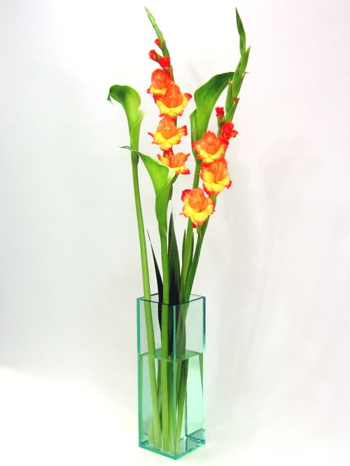 ベーシック/ガラスエッジ色四角柱F型(高さ598mm×横幅・奥行168mm)アクリル・フラワーベース・花器・花瓶