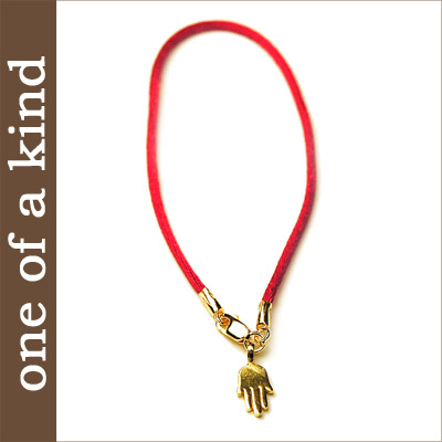 One Of A Kind ワンオブアカ India Hand チャームハマサ Charm Bracelet Gold Hamsa Good Luck Jewelry Magazine Posted On Celebrity Favorite Brand