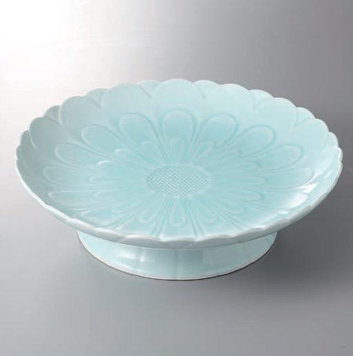 有田焼 青白磁菊彫高台盛皿