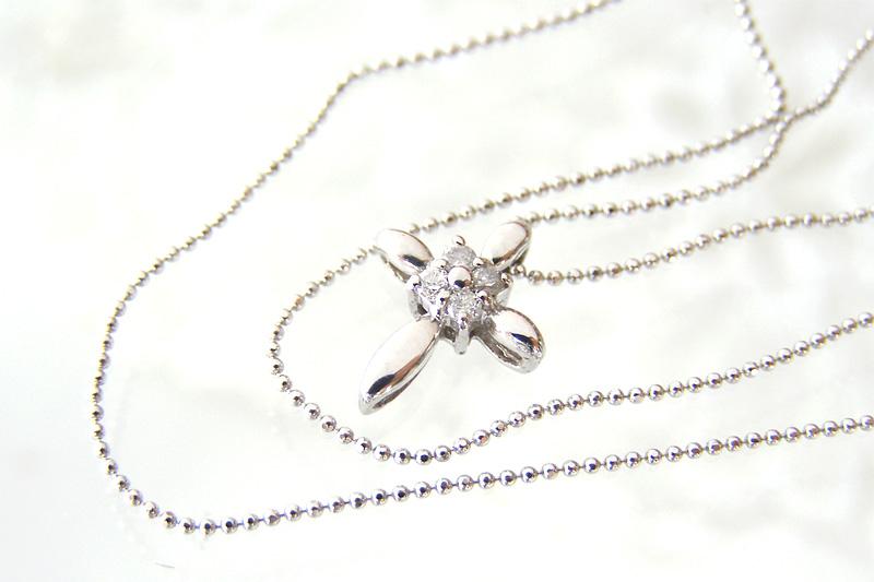 la Jewel ネックレス K18ホワイトゴールド ダイヤモンド ペンダント [TSUBOMI]