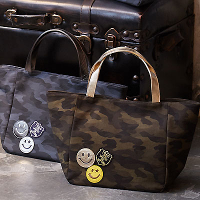 |スマイル スマイリーフェイス スマイルマーク にこちゃん カモフラージュ 迷彩柄 バッグ トートバッグ Mサイズ 軽量 本革 PVC加工 撥水