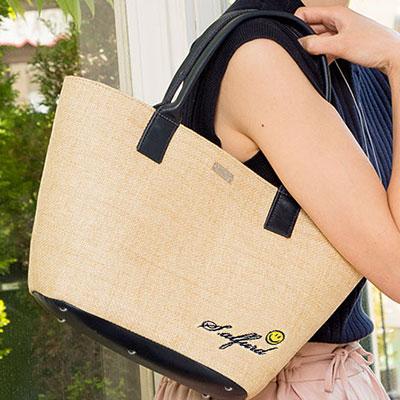 |1248 スマイリーフェイス刺繍かごバッグさらりと心地よく、ふんわり軽量 遊び心と、肩掛けも叶えたデザイン