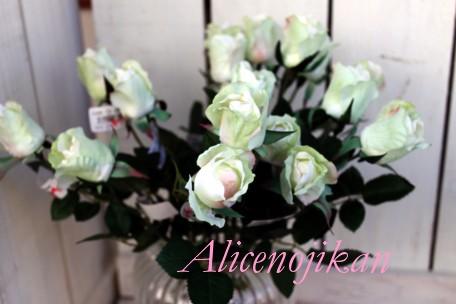激安 激安特価 送料無料 ■本物みたいに上品な薔薇でお部屋を明るく 咲きかけローズ 祝開店大放出セール開催中 ホワイトクリーム アリスの時間
