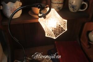 ■【アンティーク照明】【送料込 】FC-570A 007 テーブルランプ 【アリスの時間】★