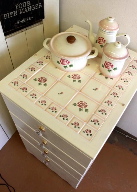 ■ 【1台限定お買い得】マニーローズタイルの家具 4段チェスト(W50xD60cm)★