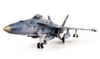 1/18 Blue Box F/A-18C ホーネット (完全塗装済み完成品)