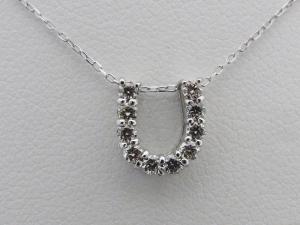K18ホワイトゴールド 馬蹄モチーフ 0.20CTダイヤモンドペンダントネックレス10P03Dec16