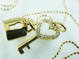 K18 ダイヤモンド 鍵型ペンダント10P03Dec16