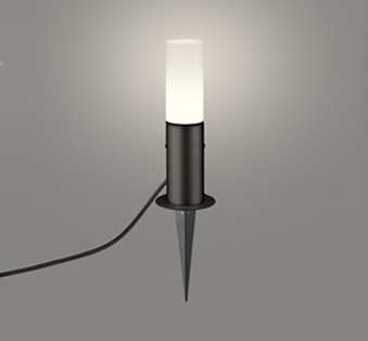 ☆ODELIC LEDエクステリアガーデンライト スパイク式 プラグ付キャプタイヤケーブル LEDランプ付き 白熱灯60W相当 電球色 本体ブラック 防雨型 OG254420LD
