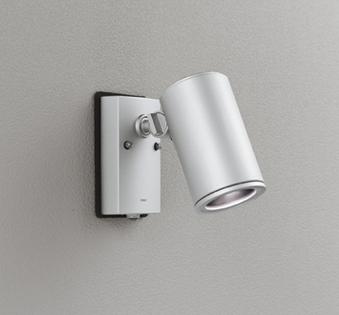 ☆ODELIC LEDエクステリアスポットライト LED一体型 ビーム球150W相当 昼白色 ワイド配光 本体マットシルバー 防雨型 壁面取付専用型 人感センサ付 OG254710P1