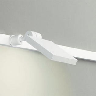 ☆ODELIC 配線ダクトレール用 LEDスポットライト LED一体型 白熱灯60W相当 電球色 壁面取付可能型 100V OS256034