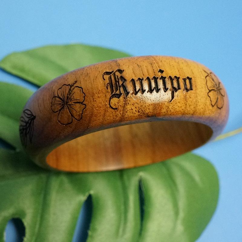 コアウッド バングル ハワイの神聖な木メイド・イン・ハワイ 1点モノ★再入荷無し★Kuuipo ハワイ語で大事な人という意味♪