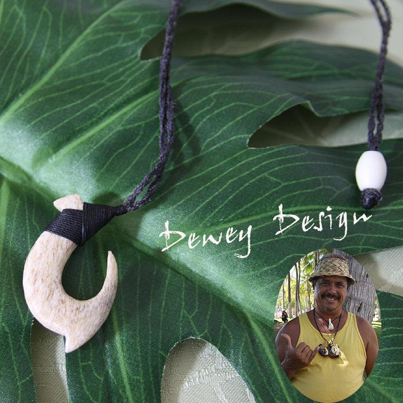 フィッシュフック ハワイアンジュエリーDewey Design 1点モノ★再入荷無し★ハワイの伝統的貴重な素材の骨、ミディアム(ホワイト)