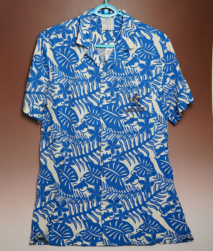 《送料無料》ハワイ AULANI(アウラニ)限定!ディズニー アロハシャツアメリカサイズですので、日本のワンサイズ下が目安。ゆったりめです!