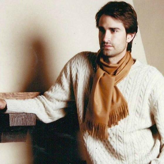 (送料無料)新着商品 世界最高位の毛織物「ビクーニャ」の高級マフラー セレブのステータスとしてご愛用!