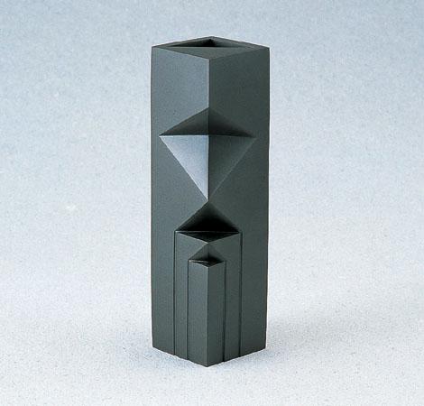 花瓶/「いのり」銅製 可西泰三作 93-54