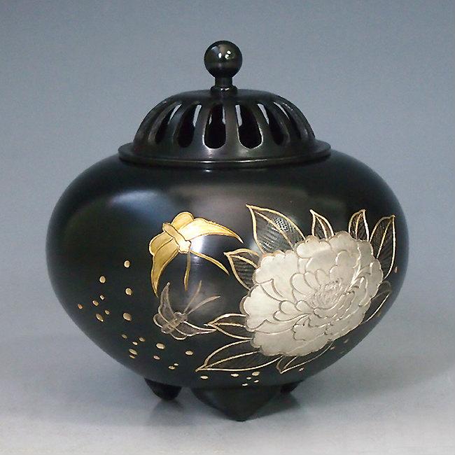 【 高岡銅器 】伝統美術 能作 吉秀作「平丸香炉 牡丹」銅製 桐箱付132-04