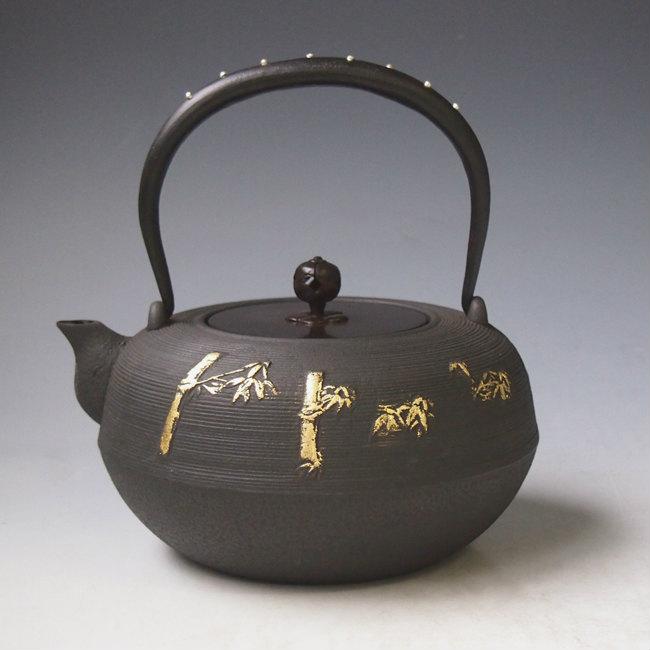 竹鉄瓶 本体に本金箔、弦に銀象嵌入り 約1.5L mtb6