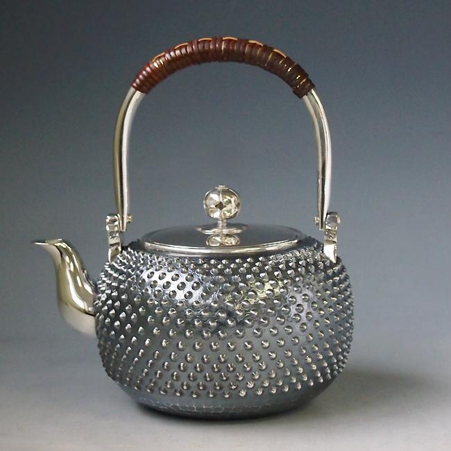 【日本製・証明書付き】純銀製 湯沸 4寸 霰打 純銀保証 銀瓶 約0.6L yw17