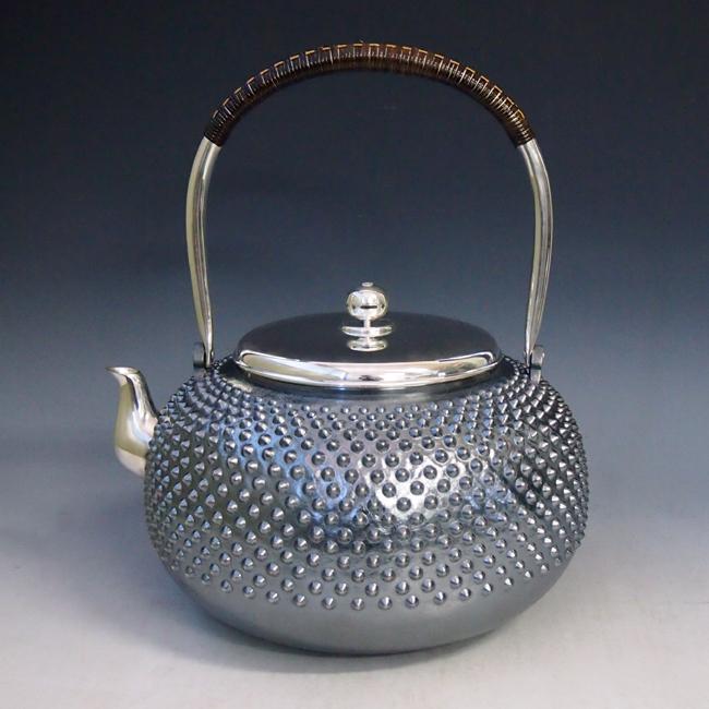 【日本製・証明書付き】純銀製 丸型霰打湯沸 9寸 純銀保証 銀瓶 約6.0L yw18