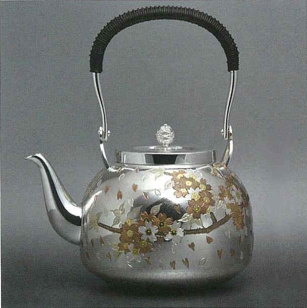 【日本製・証明書付き】純銀 湯沸 4.5寸 富士桜 R型 obg-n134