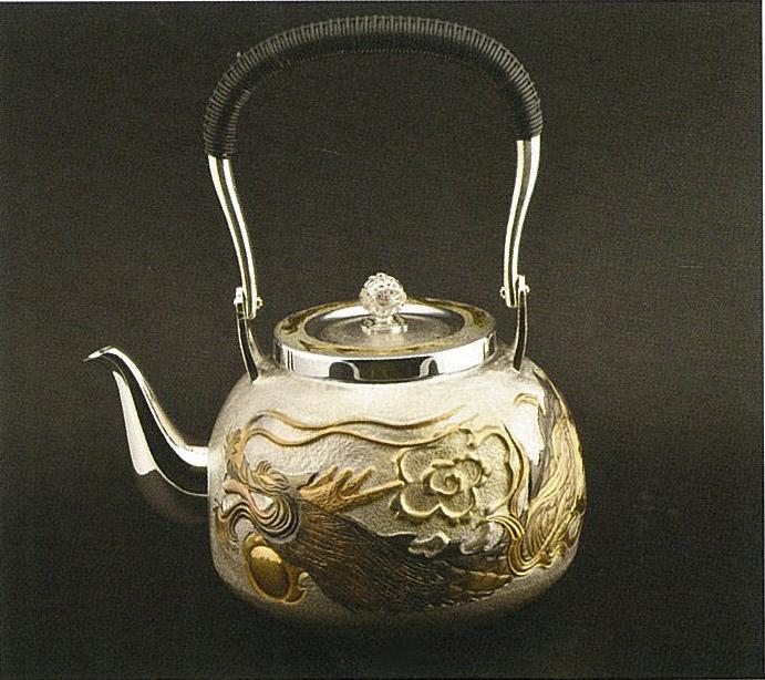 【日本製・証明書付き】純銀 湯沸 5.0寸 龍 肉出し R型 obg-n142
