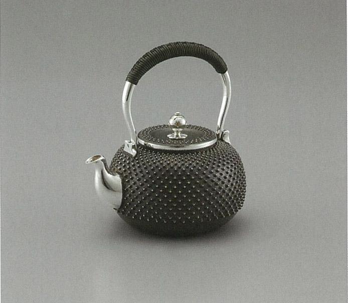 【日本製・証明書付き】純銀 湯沸 霰 3.5寸 光立作 obg-n040