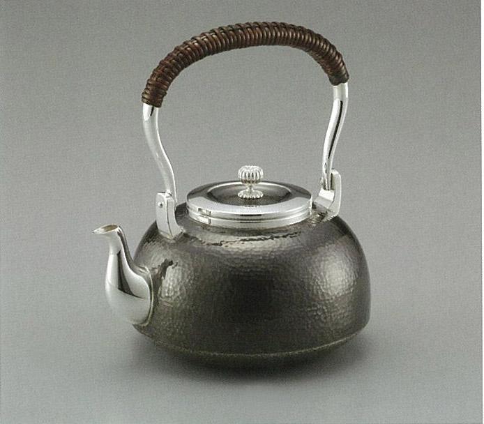 【日本製・証明書付き】純銀 湯沸 鎚目 並型 5寸 obg-n042