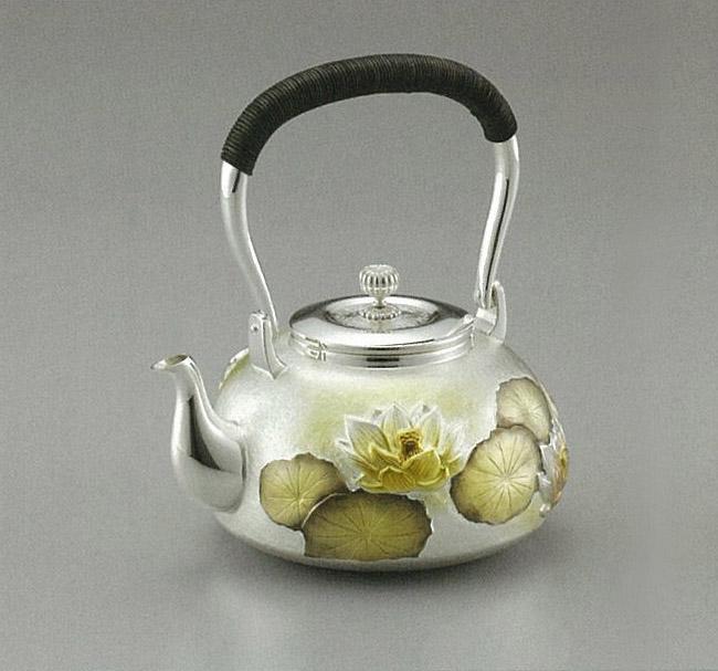【日本製・証明書付き】純銀 湯沸 蓮 並型 4.5寸 obg-n055