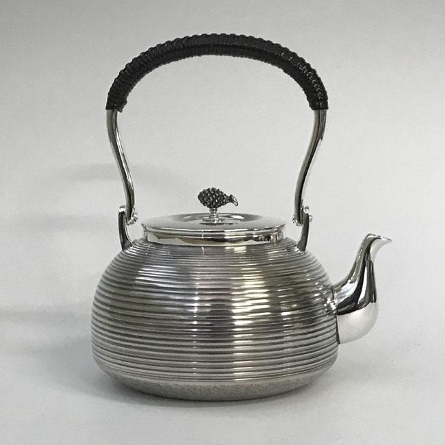 【日本製・証明書付き】純銀 湯沸 まだら 並型 4.5寸 obg-n032