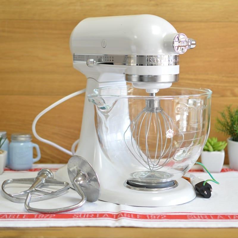 キッチンエイド スタンドミキサー アルチザン 4.8L ガラスボール パールホワイト KitchenAid KSM155GBFP 5-Qt. Artisan Design Series with Glass Bowl - Frosted Pearl White 【日本語説明書付】 家電