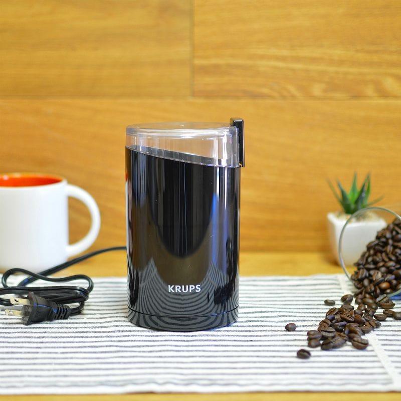 クラップス コーヒーグラインダー 豆挽きミル ブラック Krups F203 Electric Coffee and Spice Grinder with Stainless-Steel Blades Black 家電