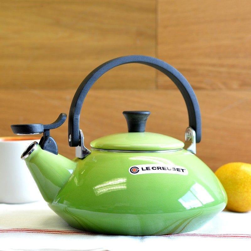 ルクルーゼ ゼン 笛吹きケトル やかん パーム 緑 1.5L Le Creuset Zen Enamel-On-Steel Kettle Palm