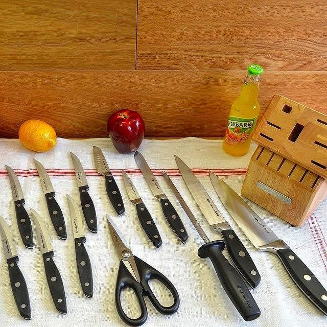 キッチンエイド ナイフセット 14点 ステーキナイフ付KitchenAid 14-Piece Knife Set with Steak Knife Block