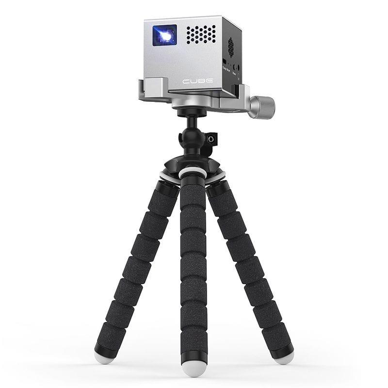 モバイルプロジェクター 最大120インチ RIF6 Cube Mobile Projector with 120-inch Display, Portable, Rechargeable, includes HDMI Cables and Tripod 家電