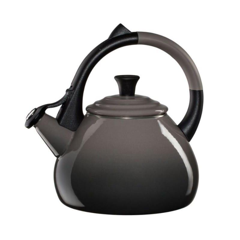 ルクルーゼ ウーロン 笛吹きケトル やかん オイスター グレー 1.5L Le Creuset Enameled Steel 1.6 Quart Oolong Tea Kettle, Oyster