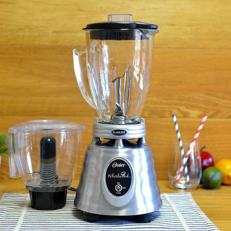 オスター ミキサー ブレンダー ラウンド型 ガラスジャー ハイライズブレード フードプロセッサー セット Oster Heritage Blend 1000 Whirlwind Blender PLUS Food Chopper - Brushed Stainless - Glass Jar BPMT02-SSF-ECR 家電